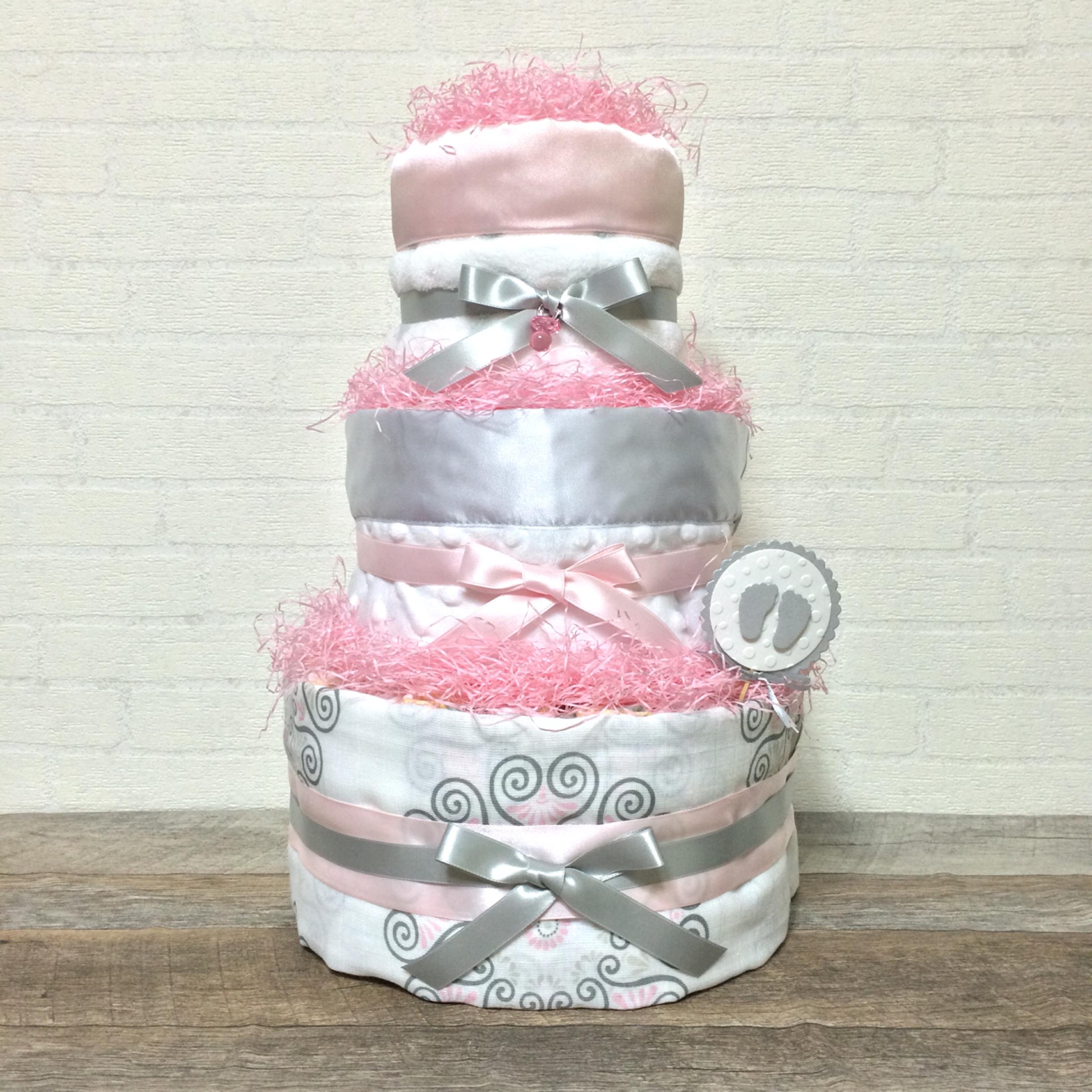 スワドルデザインズを使用したおむつケーキ